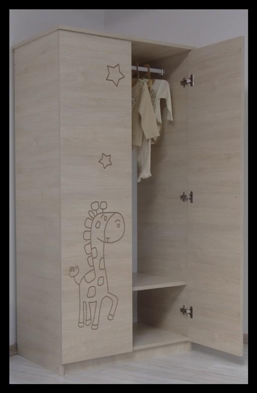 "Otroška soba Oskar ""Vgravirana Žirafa"" roza"